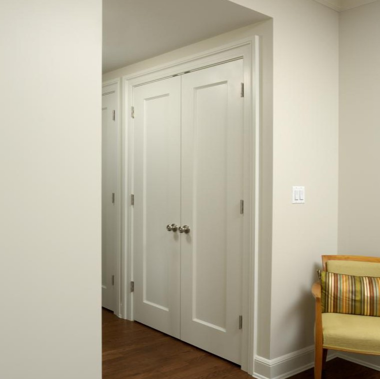 White interior door by TruStile