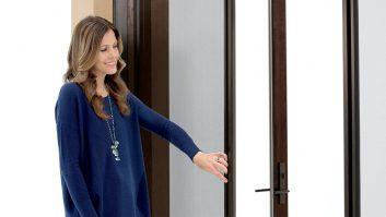 Patio door with retractable screen